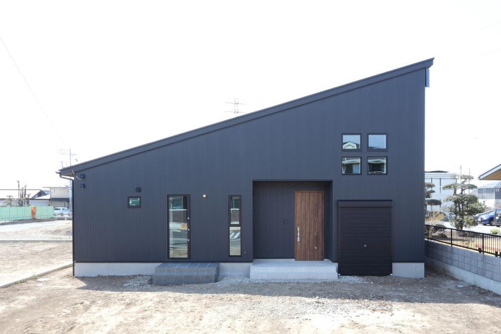 高崎市 片流れのガルバ 店舗併用住宅