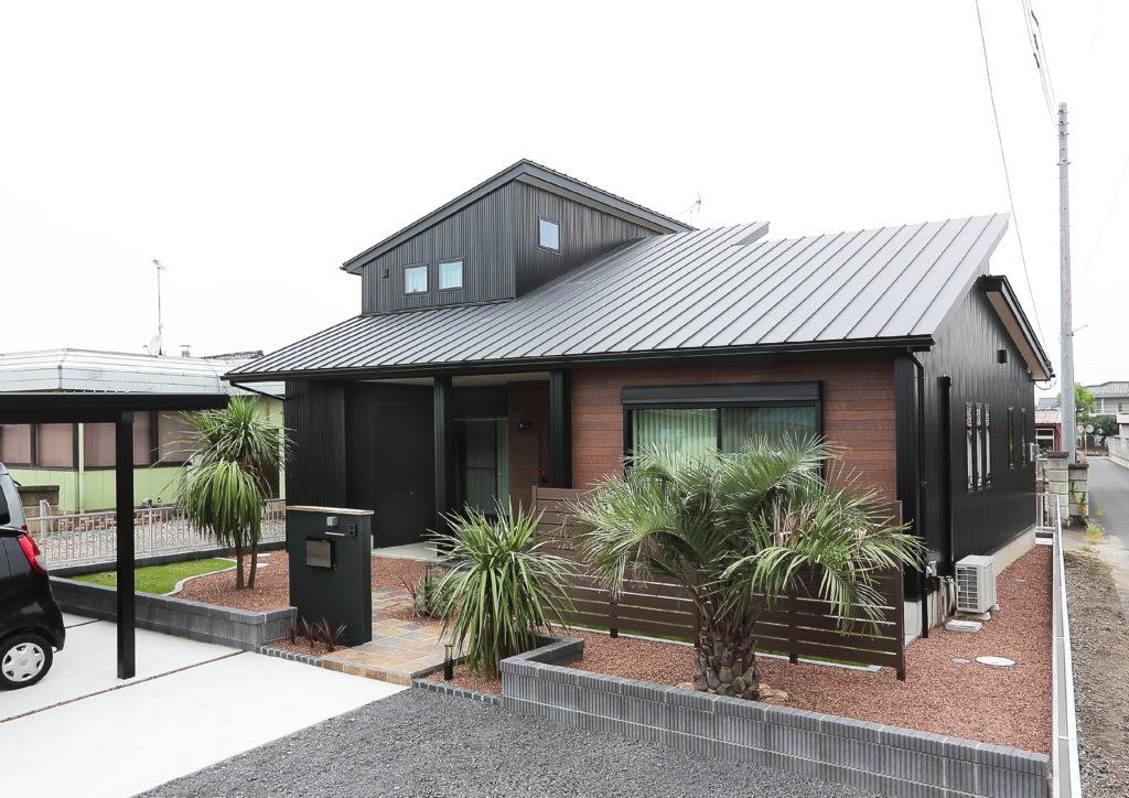 伊勢崎市 新築 ヤシノ木 ドラセナ の似合う家