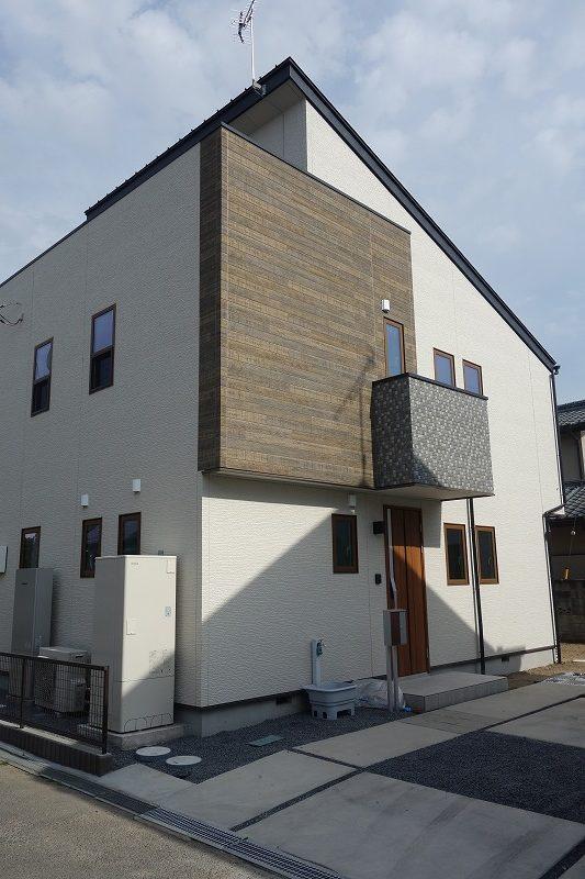 フル リノベーション住宅! これは、新築ですね。 太陽光蓄電池もついてます。