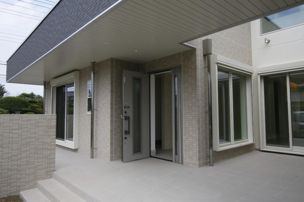 「伊勢崎市」 鉄骨 タイル貼り 新築 住宅完成です。