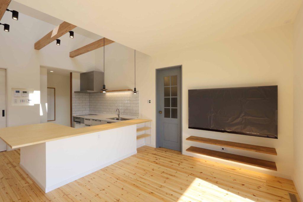 「伊勢崎市」パイン床とキッチン動線にこだわった家 完成